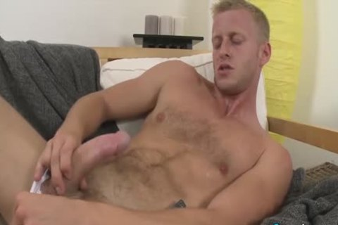 stunning Denis Reed Working Out A Messy Load Out Of his balls