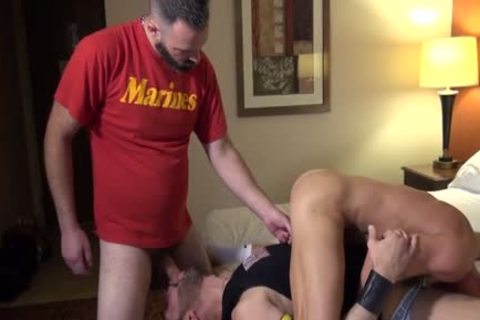Muscle Bear anal job And cream flow